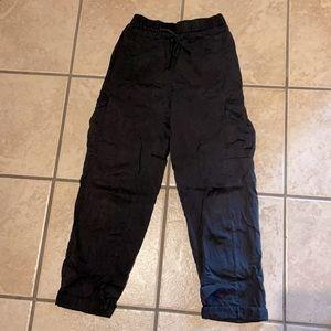 Lululemon cargo pants size 2